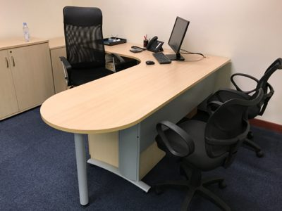 Comtel - L-shaped Manager Desk with Pea-shapd ending, Curvy Leg and Modesty Panel