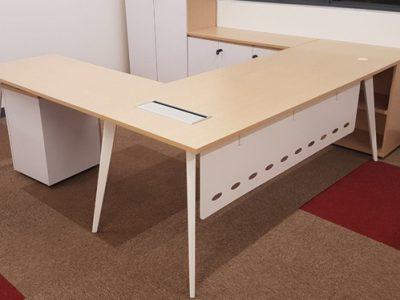 ESP xMedia - BA Series Director's Desk