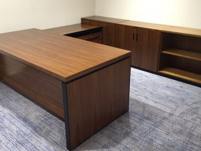 Harilela Hotels @ Holiday Inn Singapore Orchard - L Series Director's Desk