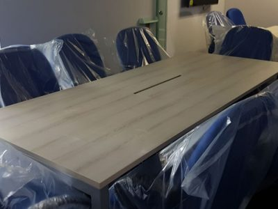 In-Style Creative Concepts - Meeting Table