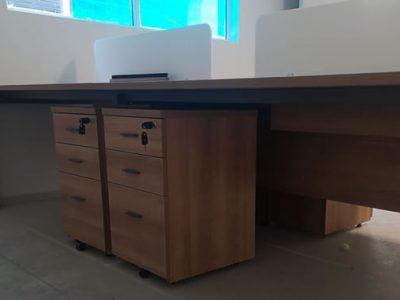Kenyon Lvl 1 - DE Series System Furniture (matching mobile pedestals)