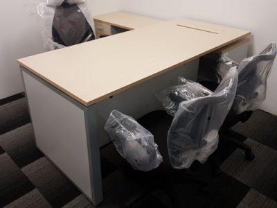 LandDesk - Executive Desk with Side Return