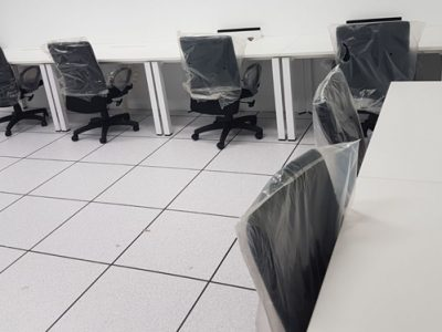 Lincotrade @ Singtel - White Table Top with DE Series Legs