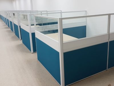Mentor Media - T40 Series System Furniture (Top Glass, Fabric Bottom) with BA Series Table