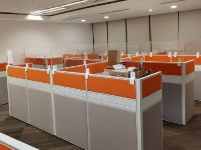 SembCorp (year 2021) - T40 Workstations with Acrylic Sneeze Guard