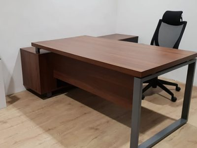Kee Song Group -  BO Series Director's Desk