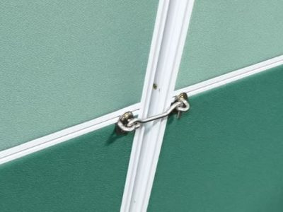 System Furniture Panel with Latch