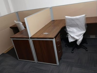 Raffles Hotel - BO Series Work Desk with DP26 Series System Furniture
