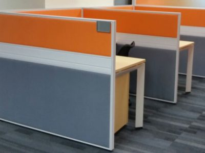 THK - T40 Workstation with Fabric Panel and DE Table Legs