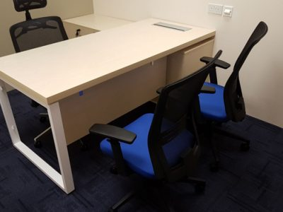 Verint - Executive Desk with BO Series Table Legs