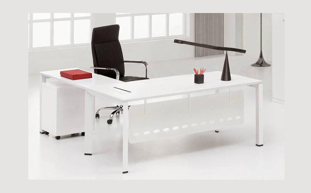 de-series_directors-desk_1