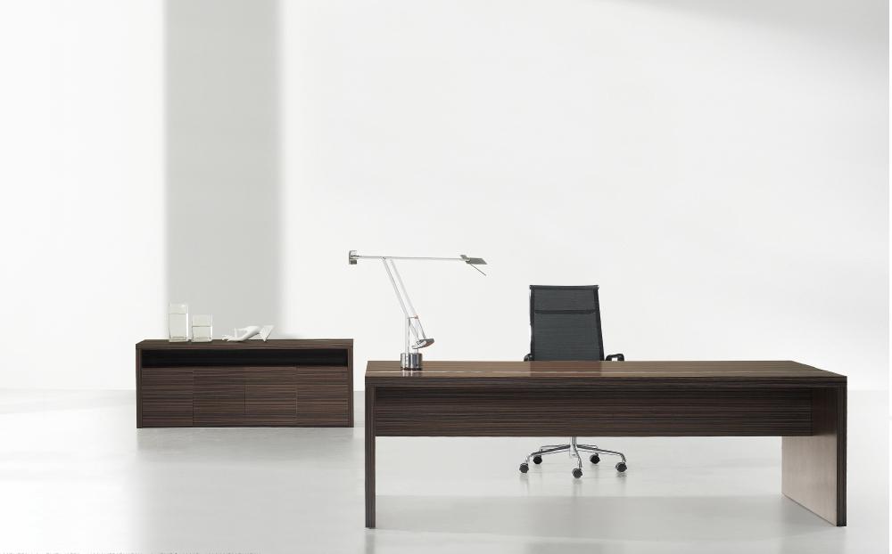 roma_directors-desk_1