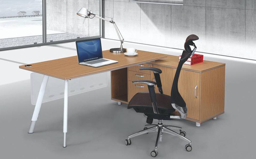 Los-Angeles_Director's-Desk_1